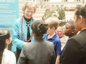 mary_robinson_meeting_tyra_at_the_landmark