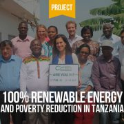 Bild zeigt Vereinbarung zu Projekt 100% Erneuerbare Energie in Tansania