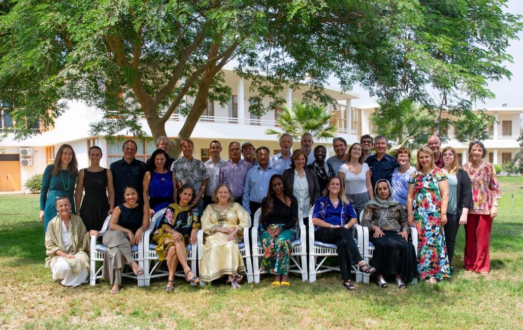 Lösungen für sofortiges Handeln: Die Ratsmitglieder in Sekem unter einem großen Baum
